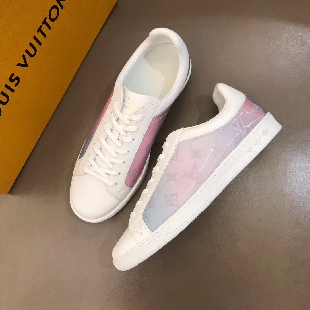 4488d2bf690 LV Hot new line of Replica Louis Vuitton Shoes and Slides: Buying Guide and  High Quality Fake Review